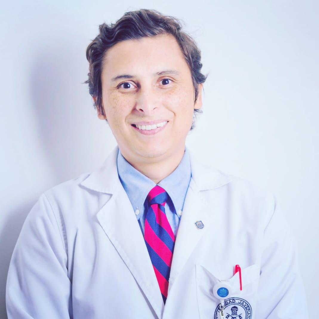 Dr. Jeffer David Álvarez Villaraga