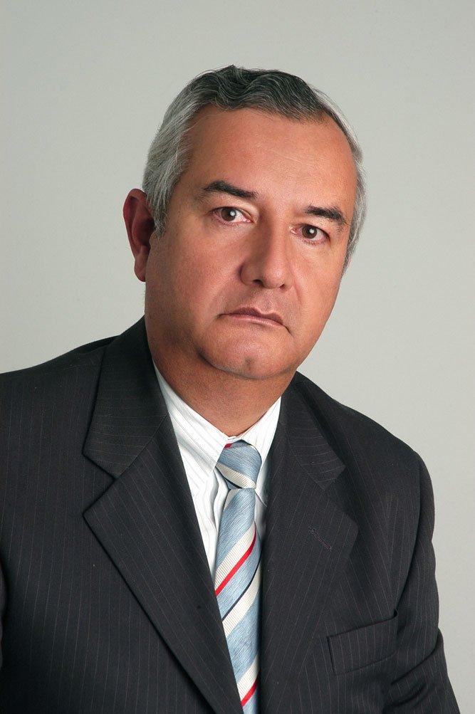Dr. Mario Roberto Santamaria Sandoval