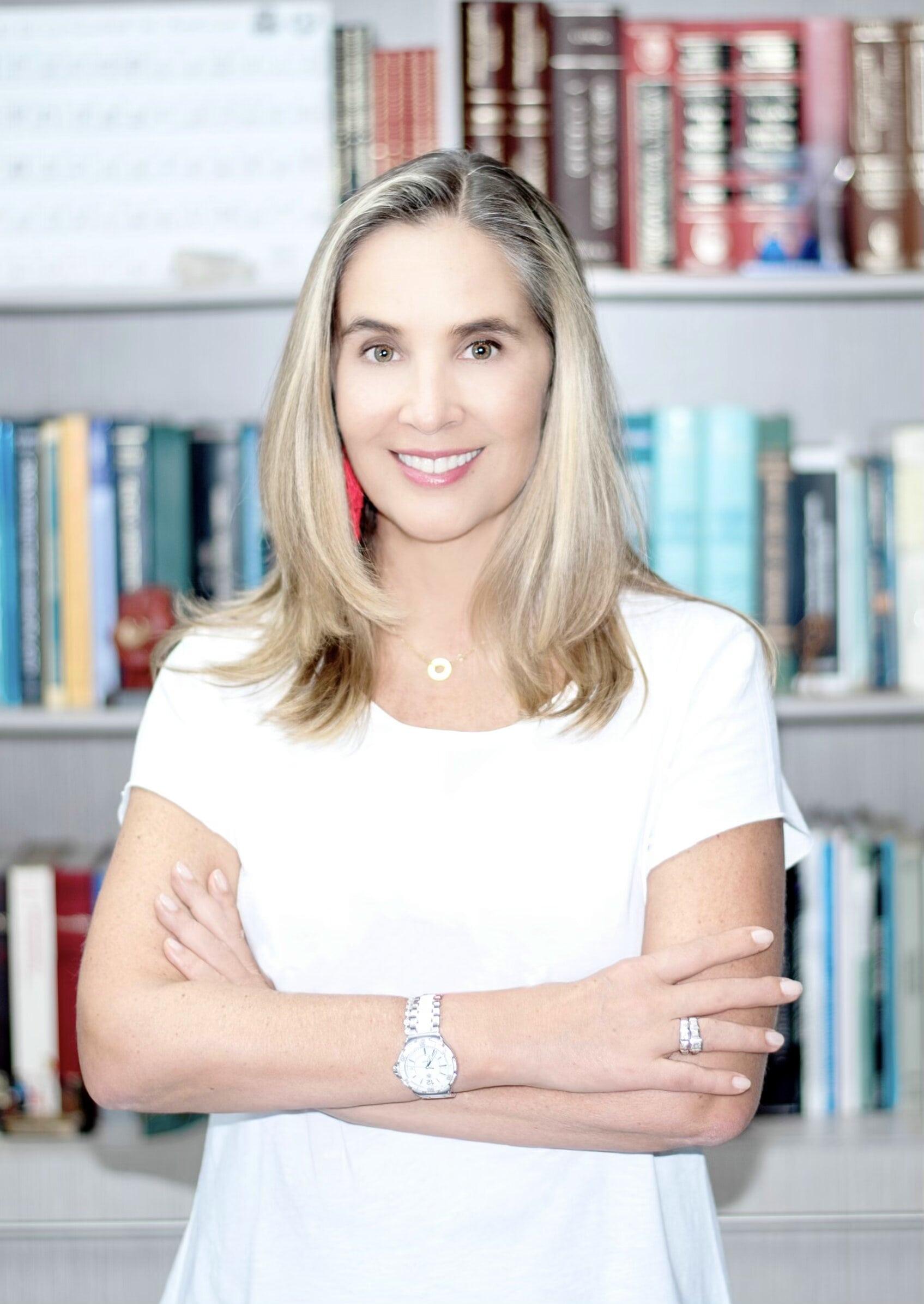 Dra. Alexandra Mora Hernández
