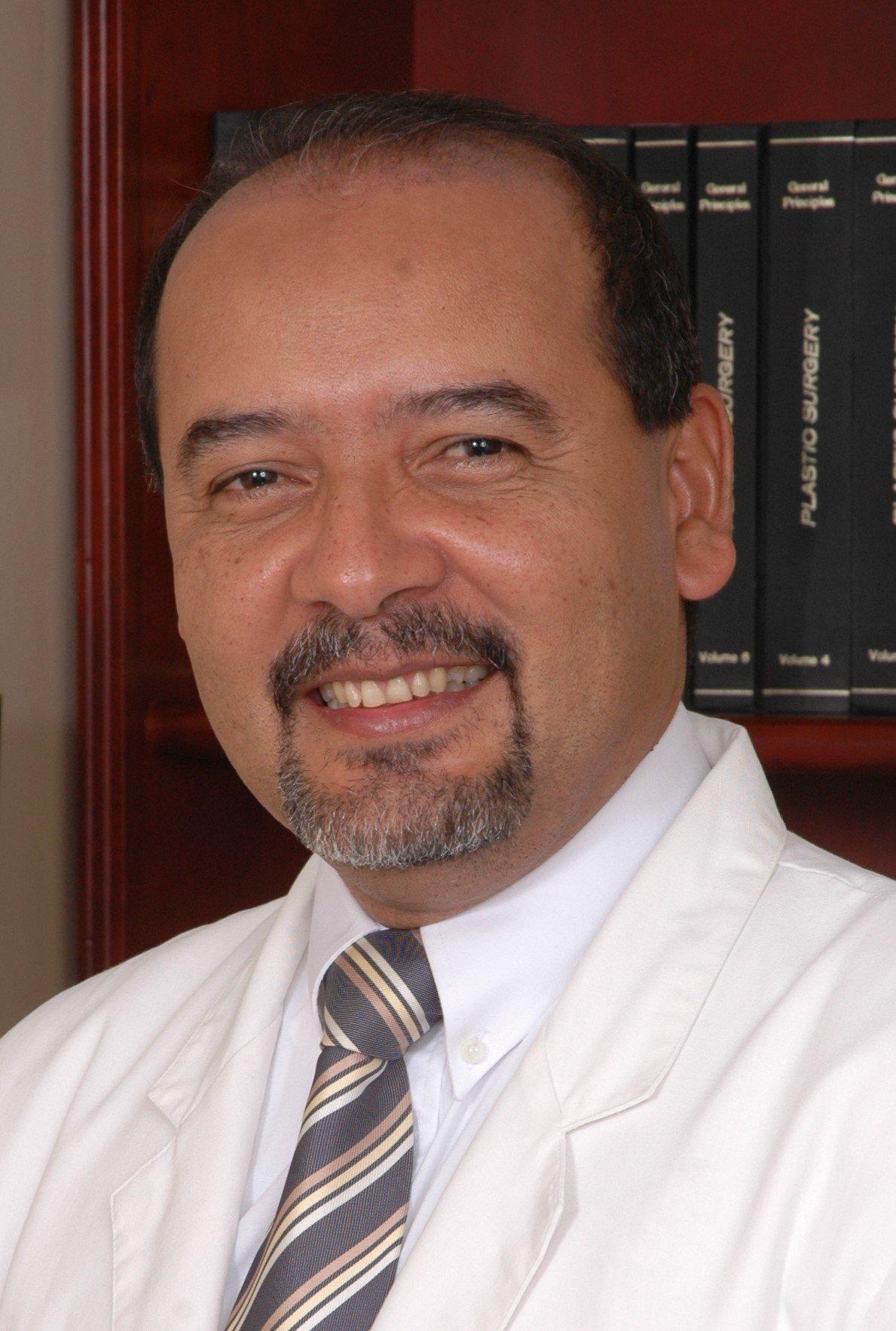 Dr. Freddy Rodríguez García
