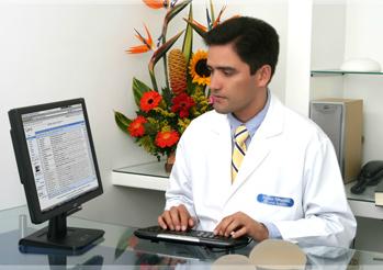 Dr. William Fernández Ospina