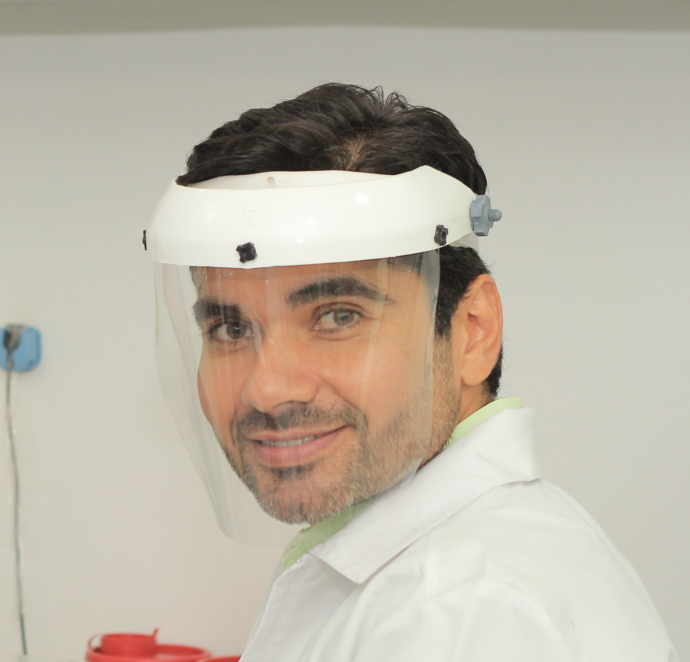 Dr. Carlos Hernán Manzano López