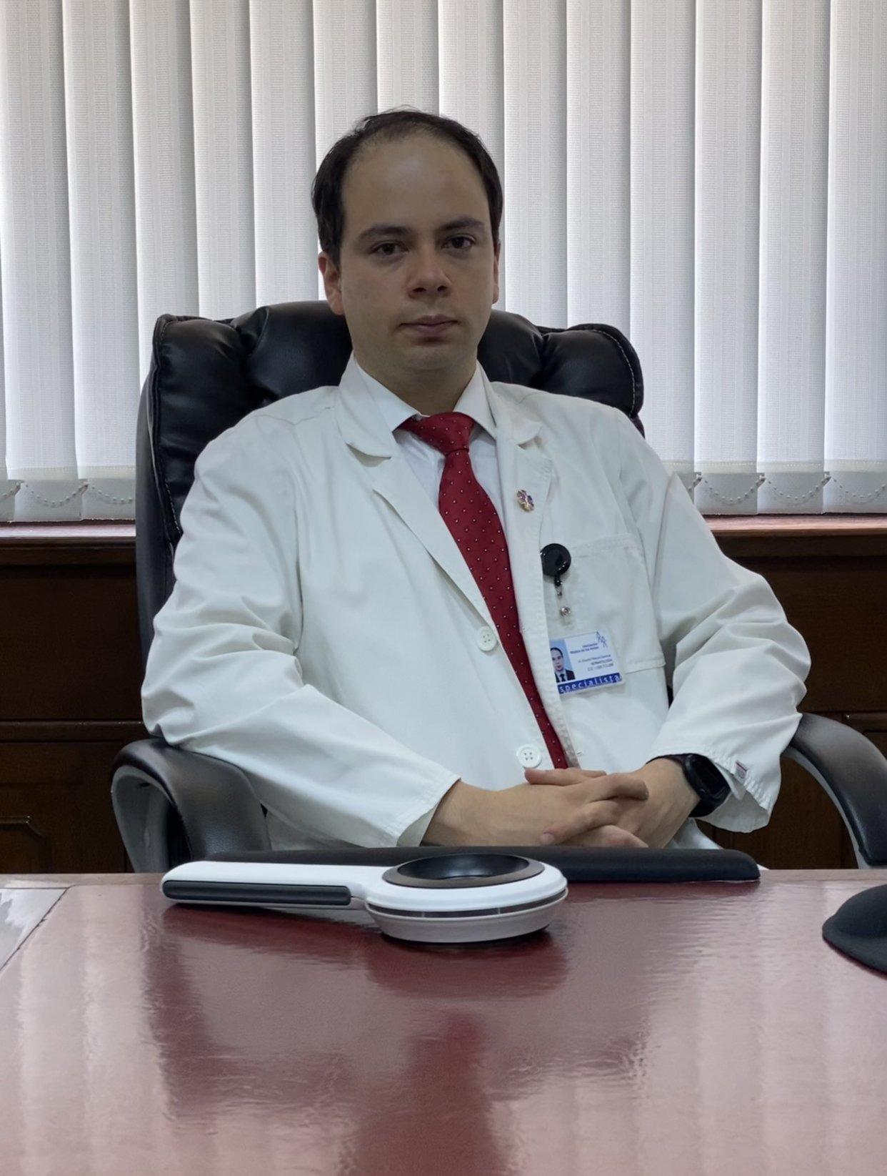 Dr. Eduardo Palacios Espinosa